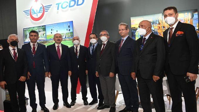 Minister Karaismailoglu besuchte den TCDD-Stand