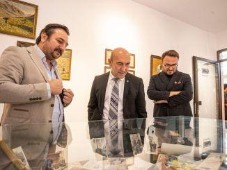 Sonderausstellung zum Perlenzeitalter des Uhrturms von Izmir