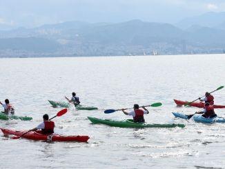 Kanurennen waren der Schauplatz farbenfroher Bilder beim Izmir Gulf Festival