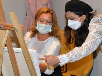 umjetnička radionica raka dojke okuplja pacijente