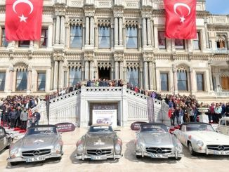 Mercedes-Benz Republic Rally Bắt đầu