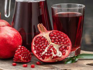 Saft und Schale des Granatapfels sind ebenso nützlich wie die Samen.