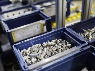 صندوق الكرتون القابل للتصرف يسبب النفايات في صناعة السيارات