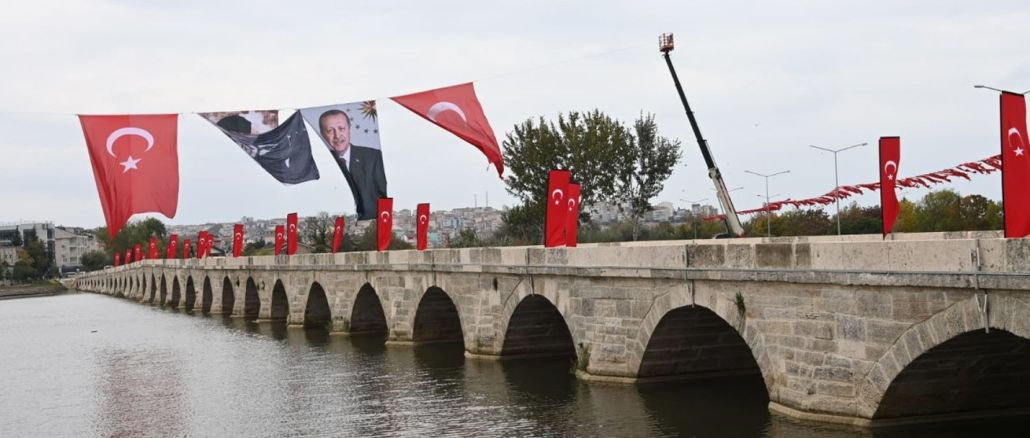 The restorations of the historical architect Sinan Bridge and the short bridge have been completed.