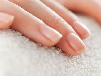 les tumeurs des ongles peuvent être confondues avec les mycoses des ongles
