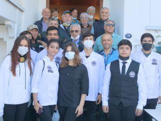 土耳其第一批酒店管理学院毕业生在 foca 与旅游候选人会面