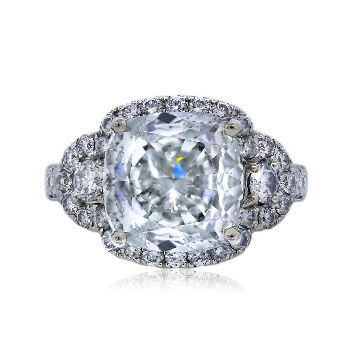 18k White Gold 357ct Cushion Cut Diamond Engagement Ring