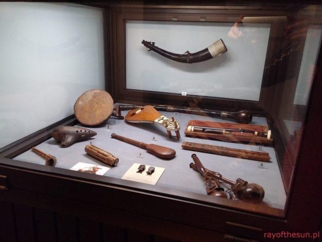 gablota-z-instrumentami-galeria-rzemiosla-artystycznego