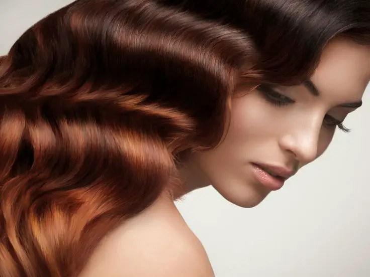 ondas de agua en el cabello