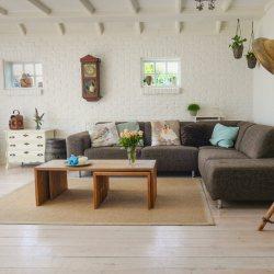 7 Ideas How To Decor Your Living Room Easily | Raysa House