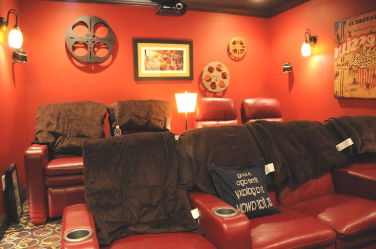 movie themed home decor | Movie room: Movie Room Decor In Luxurious Room Style With Bold Red ..