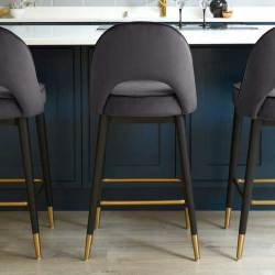 Types of Counter Stools with Black Color You Will Love