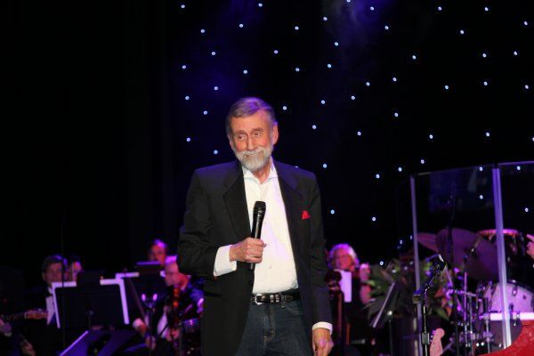 Review: Ray Stevens performs at grand opening of CabaRay Showroom – Digital Journal