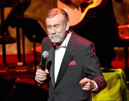 Ray Stevens announces grand opening of new venue CabaRay – Digital Journal