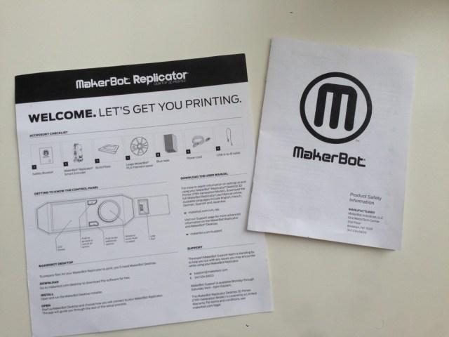 بطاقة التعليمات و كتيب تعليمات السلامة المرفق مع طابعةmakerbot replicator 5th generation