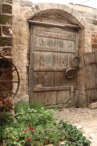 A wooden door in Nasra