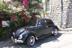 A black old car