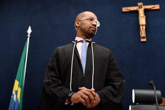 Da roça ao Tribunal: Juiz dormia em escola para não perder aulas 6