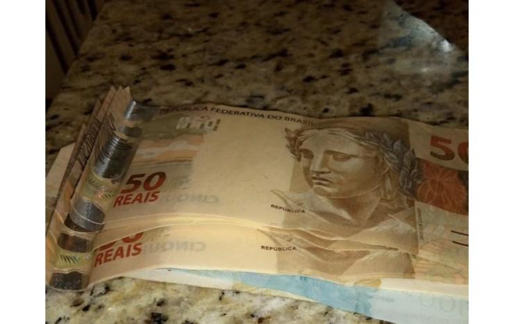 empregada doméstica encontra dinheiro lixeira devolve para dono