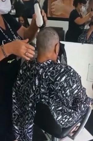 cabeleireira raspa cabelos 1