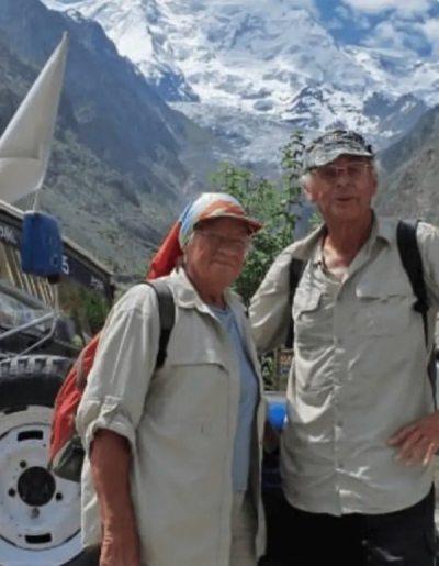 casal idosos viajando