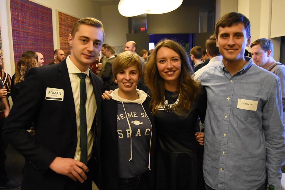 Razom volunteers meeting startups with roots in Ukraine.