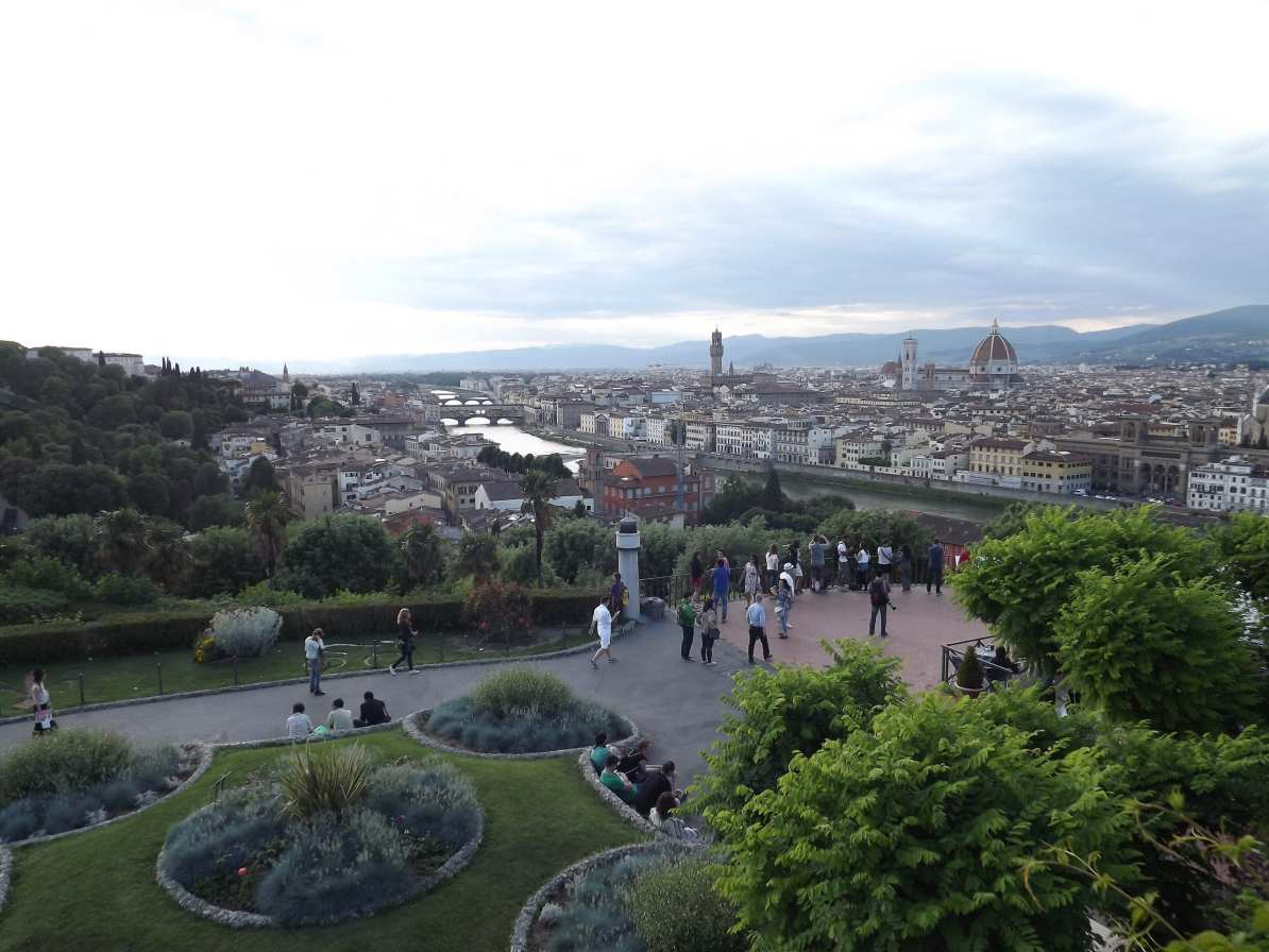 Piata Michelangelo
