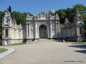 poarta palatului Dolmabahce