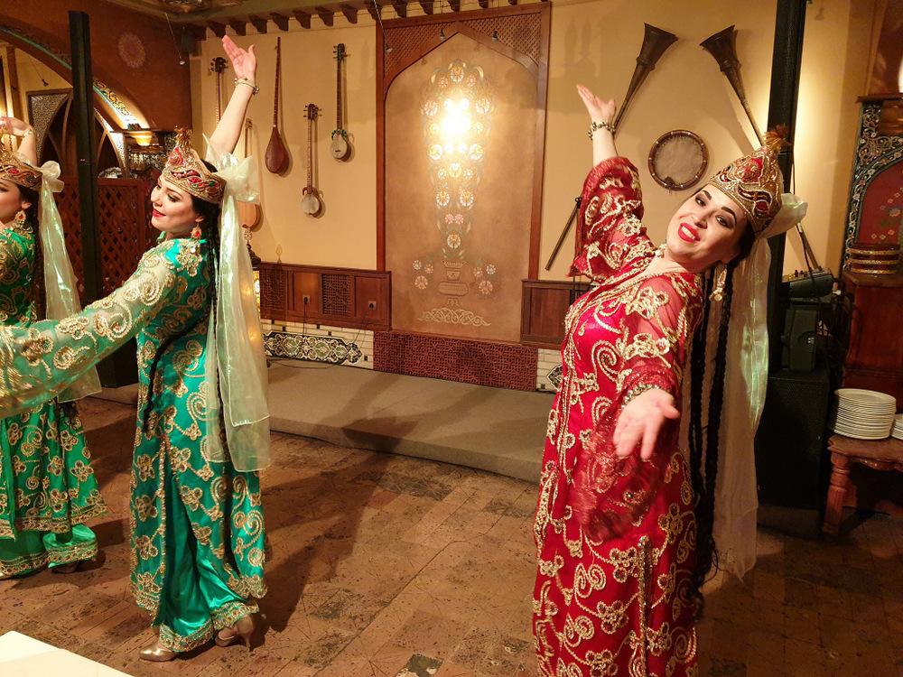 Intalnirea femeilor din Kazah