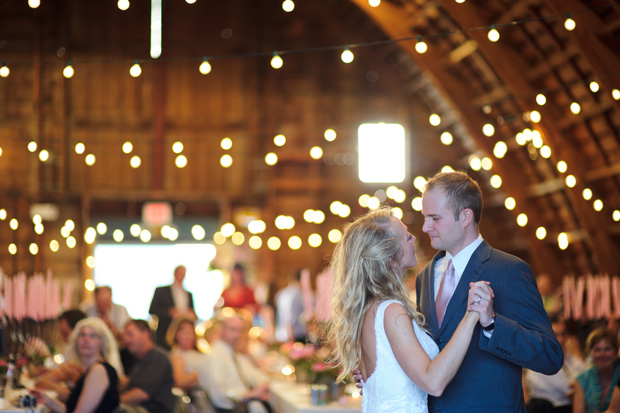 Des Moines Wedding photographers - Simpson Barn