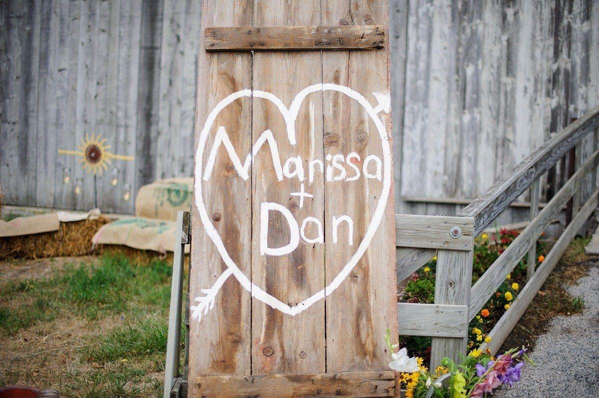 Festhalle Barn wedding sign