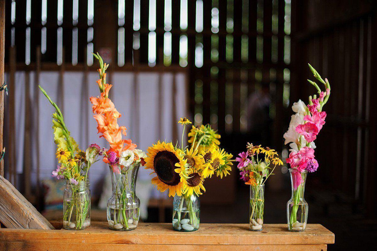 Festhalle Barn wedding flowers