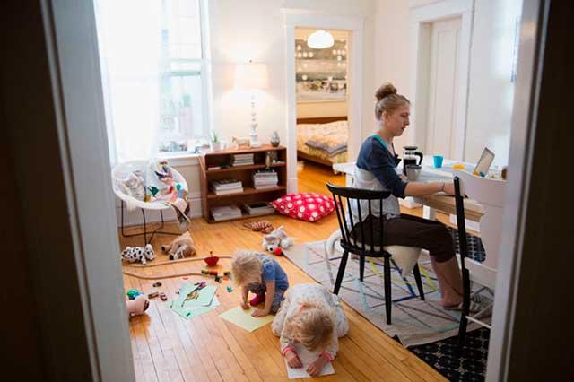 darbs mājās māmiņām bināro opciju demo konti bez maksas