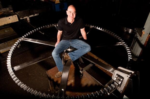 Основатель Amazon начал строить часы на 10 тыс. лет работы