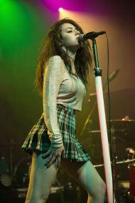 gig-girl-sing