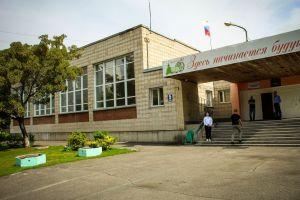 В Нижней Ельцовке демонтируют металлические гаражи у школы