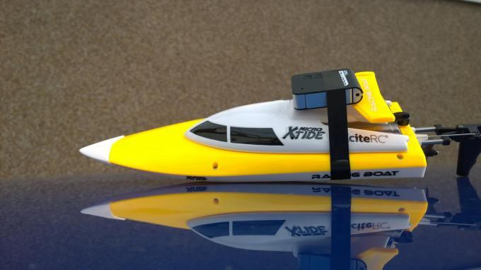 DELITE 720 als Onboardkamera auf der Xtide von XciteRC