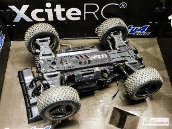 Stabiler Aufbau mit 4WD Antrieb!