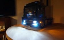 MAN TGX bei Nacht Front