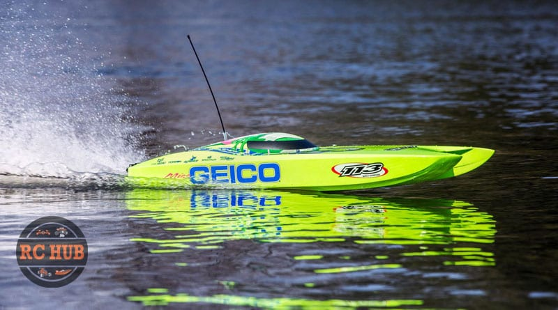 Miss GEICO Zelos 36″ Twin Brushless Catamaran RTR