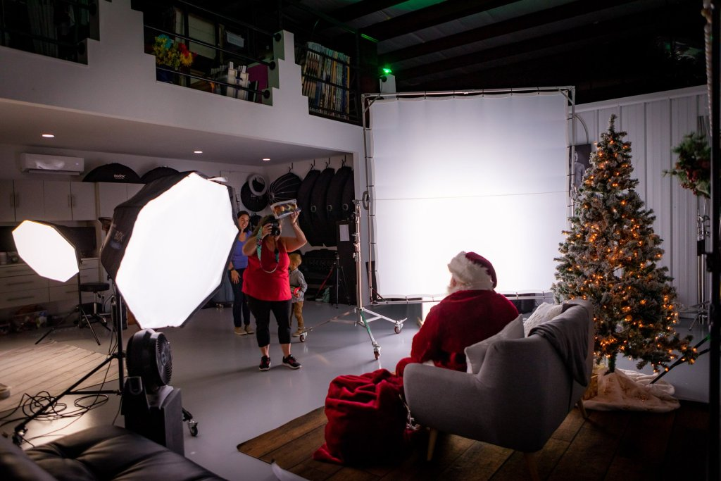 Santa Mini Sessions - Tiffany Rudy Photography - Topsail Photo Studio - Rachel Carter Images