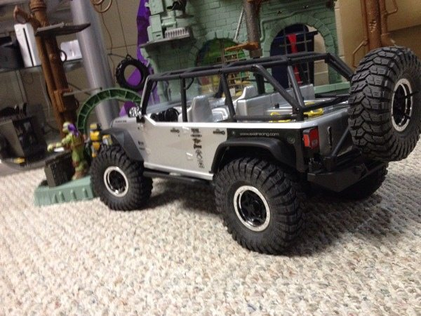 Do you have your eye on a new scaler/crawler? Check out this SCX10 guide from BigSquidRC.