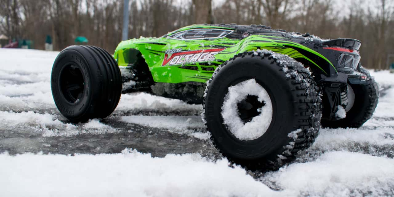 Slinging Snow and Spinning Tires with the ARRMA Fazon Voltage [Video]