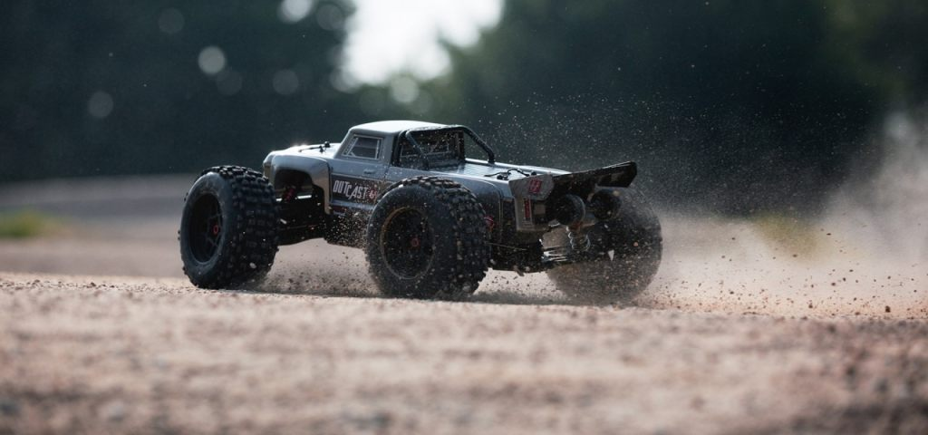 arrma-outcast-getting-dirty