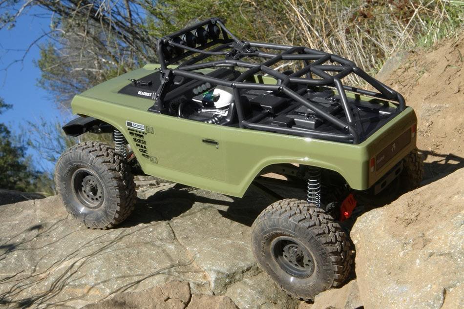 Axial SCX10 II Deadbolt - Outdoors 2