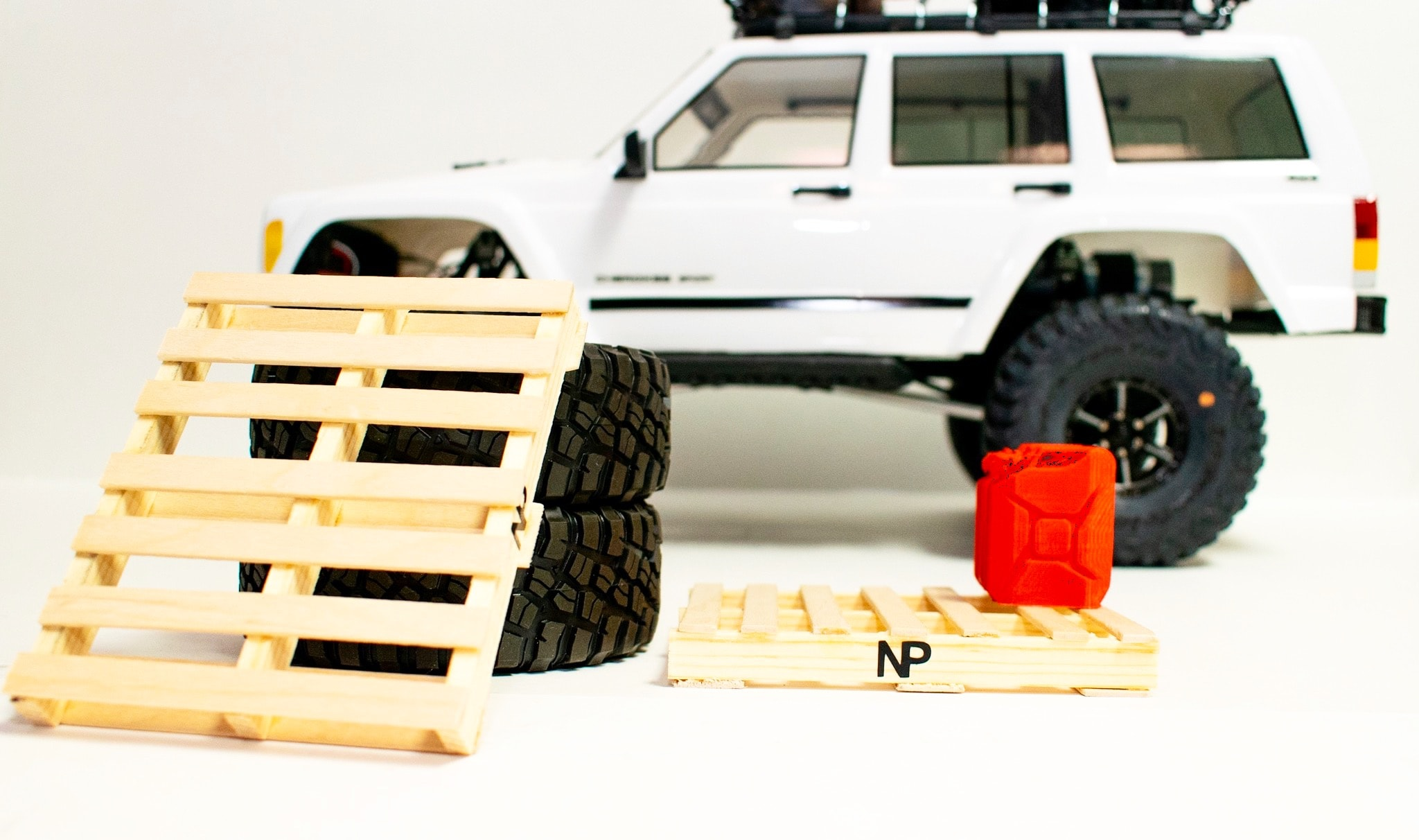 Add Scale Detail to Your R/C Garage with Nicks Pallets