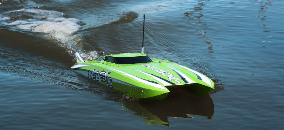 Make Waves with the Pro Boat Veles 29″ Catamaran
