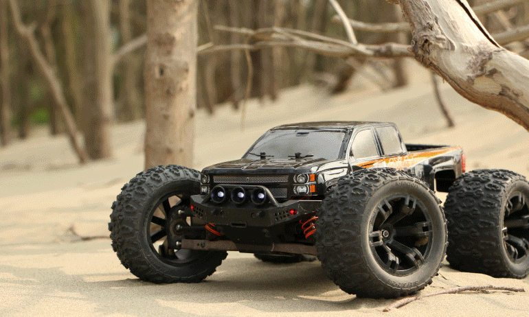 Team Magic E5 1/10-scale R/C Monster Truck