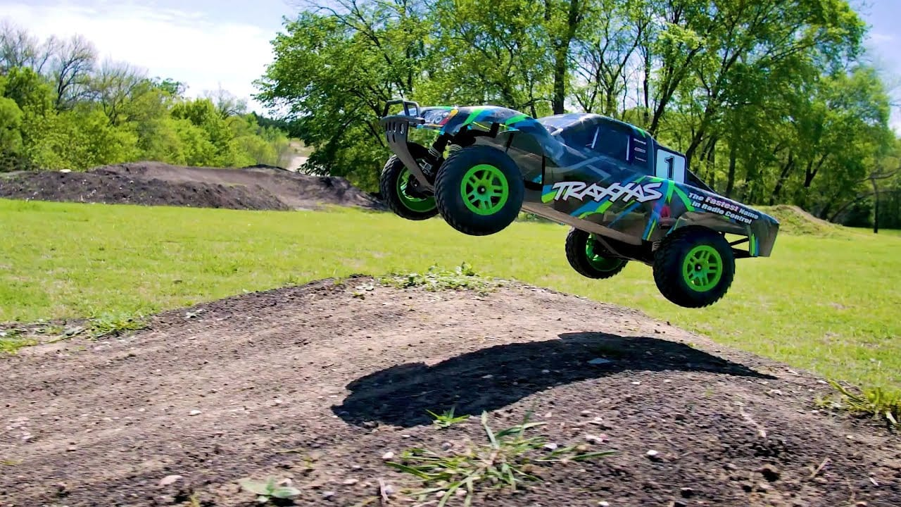 High-flying Fun with the Traxxas Slash [Video]