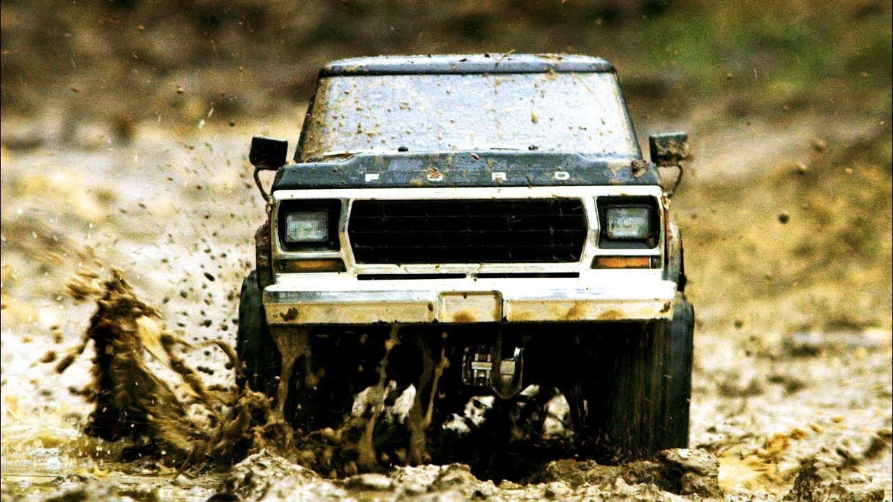 Mud-running with the Traxxas TRX-4 Bronco [Video]
